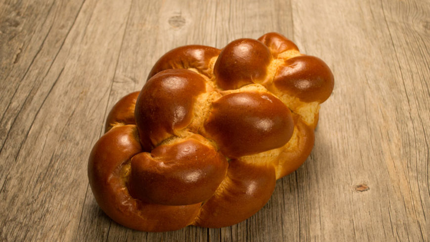 Food Demo: Challah braiding with Liam Bowley from Something Natural